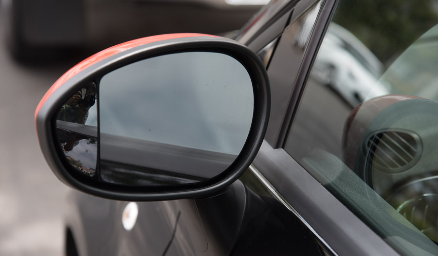 Fiat 500e side view mirror
