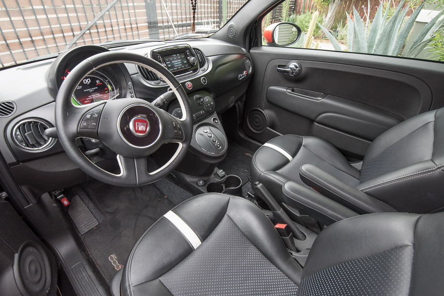 Fiat 500e front seats and dashboard